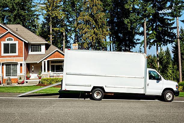 plain white kleintransporter - motionless in white stock-fotos und bilder