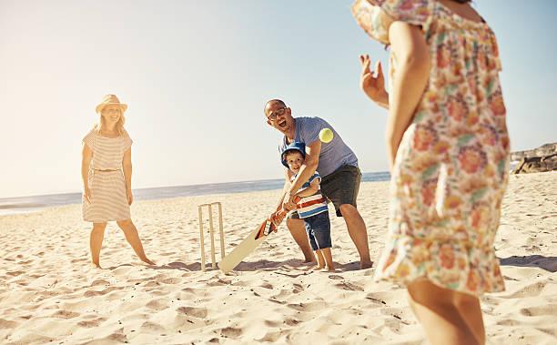 planen sie einen tag am strand - cricket stock-fotos und bilder