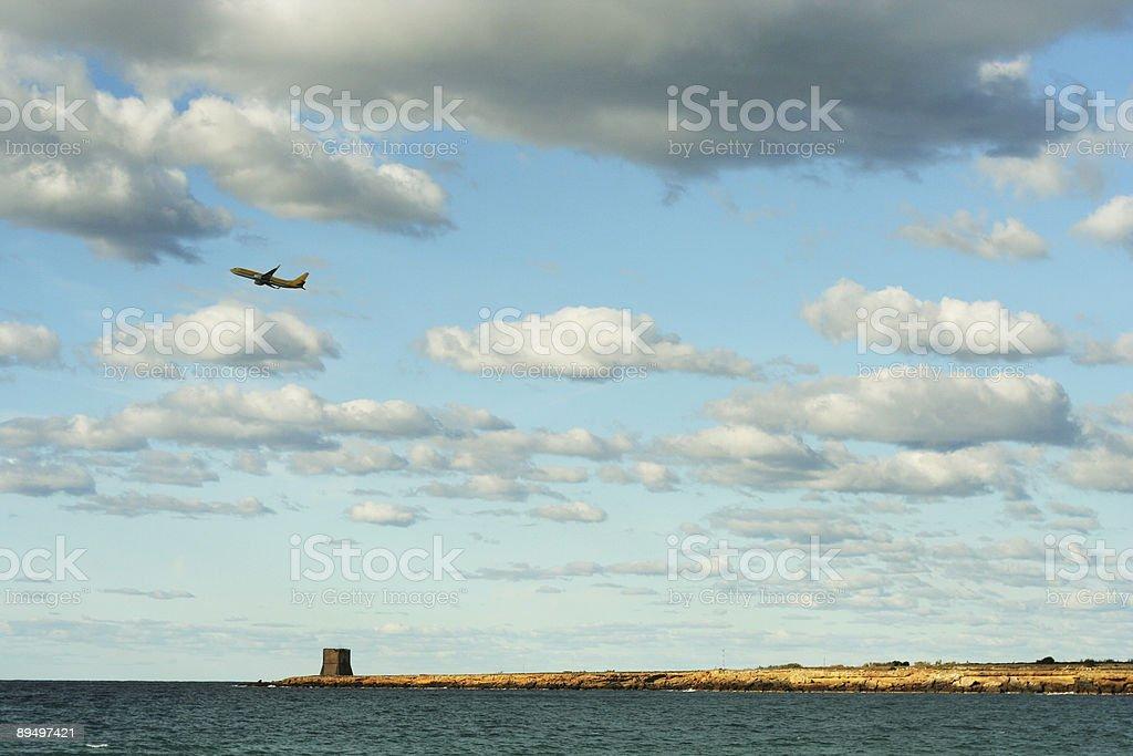 Samolot pozostawiając Sycylia zbiór zdjęć royalty-free