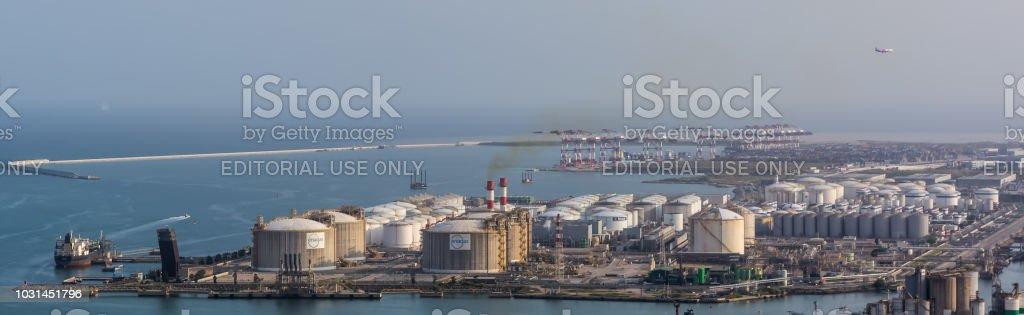 Plano sobre la estación de energía de Barcelona - Foto de stock de Aire libre libre de derechos
