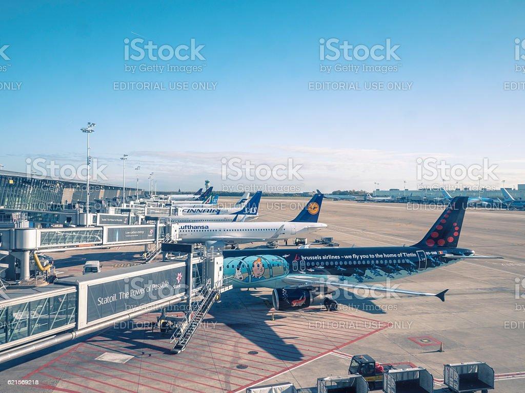 Planes at Brussels international airport photo libre de droits