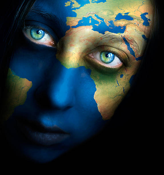 Planet earth and woman face – Foto