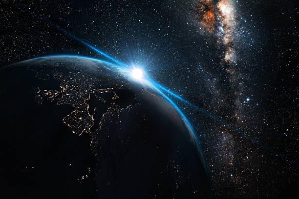 planeta terra à noite com fundo de espaço - exploração espacial - fotografias e filmes do acervo