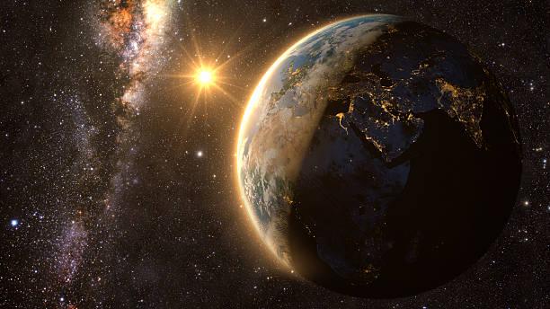 pianeta terra con uno spettacolare tramonto - esplorazione spaziale foto e immagini stock