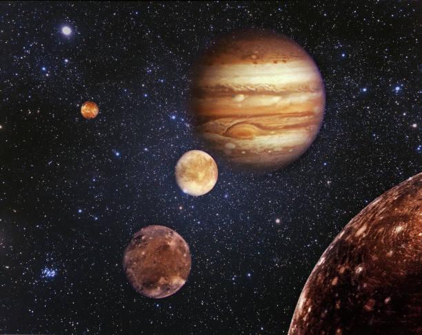 planète jupiter et ses satellites dans l'espace - venus photos et images de collection