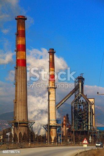 istock Plant 635799774