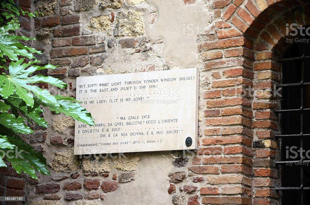 Plaque on Juliet's house, Verona stock photo
