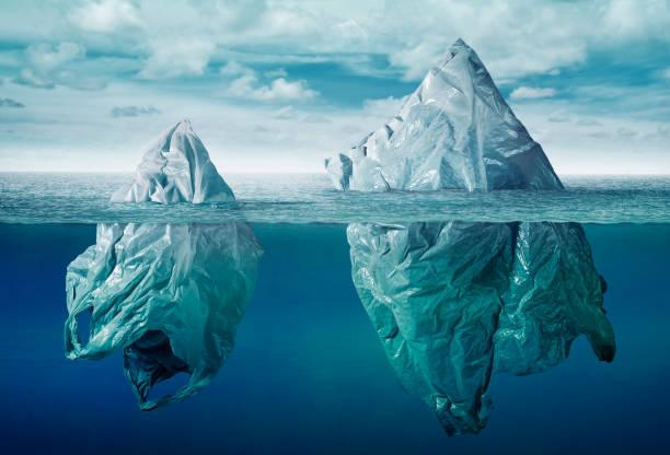 塑膠袋環境污染與垃圾冰山 - 塑膠 個照片及圖片檔