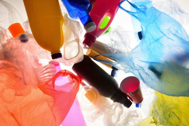 塑膠袋和塑膠瓶 - 塑膠 個照片及圖片檔