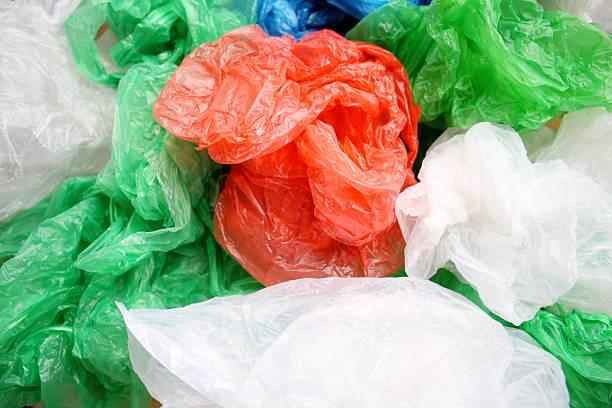 des sacs en plastique - sac en plastique photos et images de collection