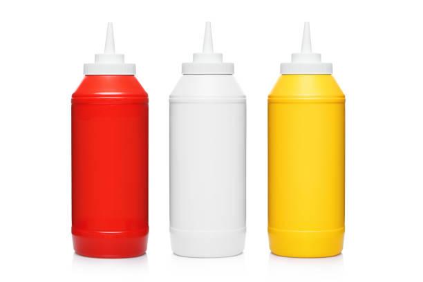 garrafas plásticas com ketchup, maionese e mostarda em branco - squeeze bottle - fotografias e filmes do acervo