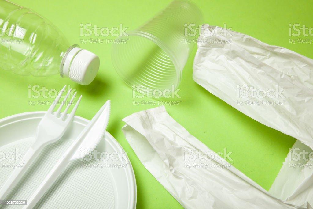 Photo libre de droit de Ustensiles Jetables En Plastique