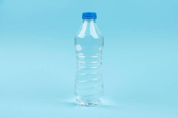 plast dricka vattenflaska - pet bottles bildbanksfoton och bilder