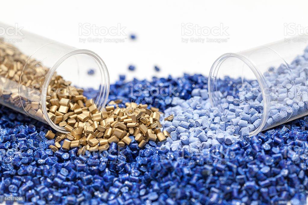 Kunststoffgranulat aus nächster Nähe - Lizenzfrei Plastikmaterial Stock-Foto
