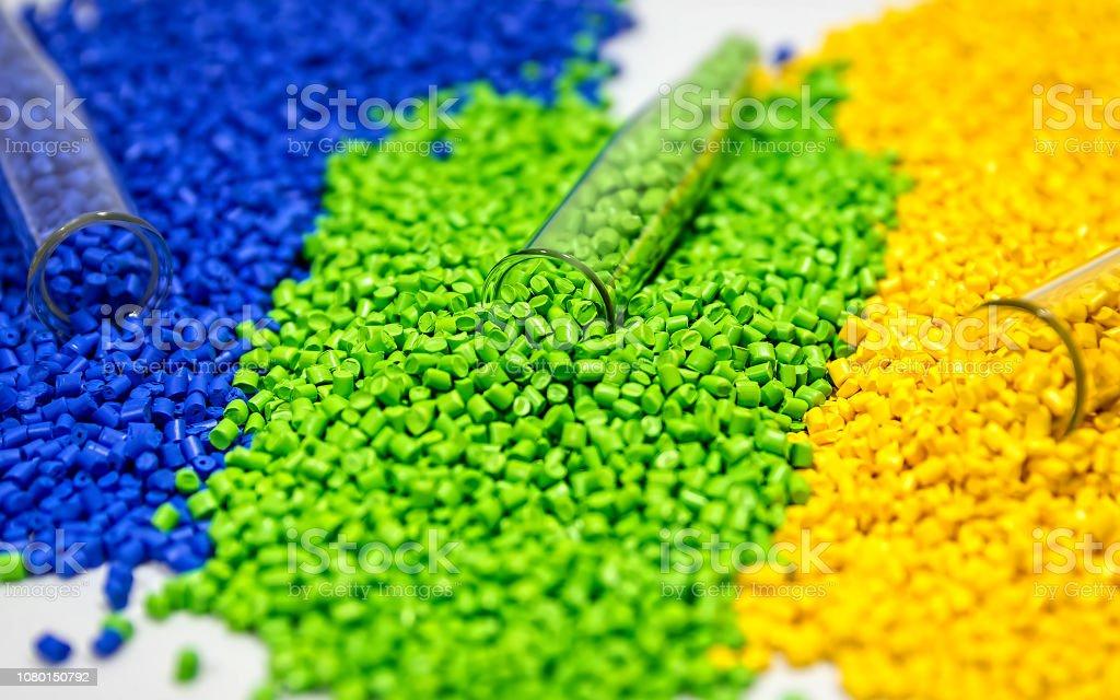 Kunststoff-Granulaten. Polymer-Granulat. Polymeren Farbstoff. Farbstoff-Pellets. - Lizenzfrei 2018 Stock-Foto