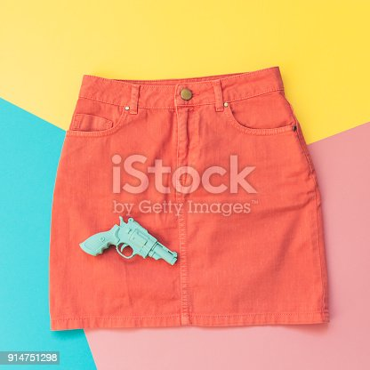 640200626istockphoto plastic gun and the skirt. 914751298