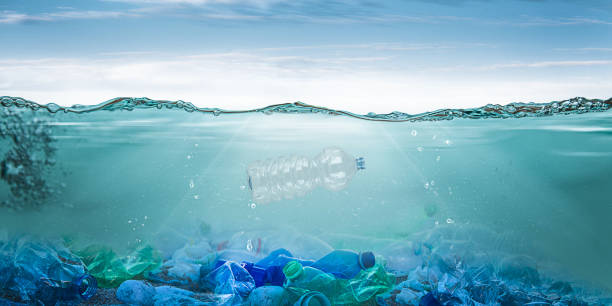plastic pollution - ocean plastic stock pictures, royalty-free photos & images