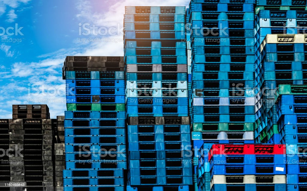 Plastic shipping pallet for sale and for rent business. Industry...