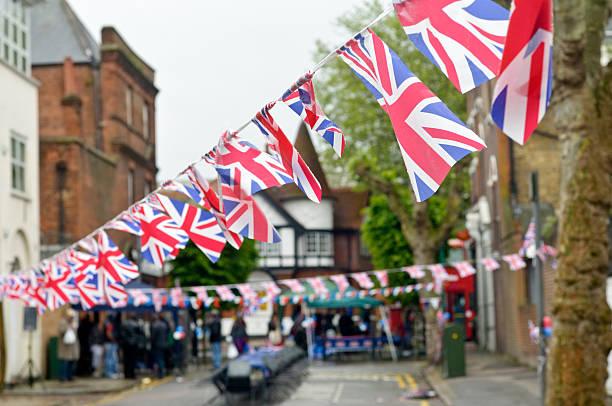 unione jack bandiera bunting in plastica - cultura britannica foto e immagini stock