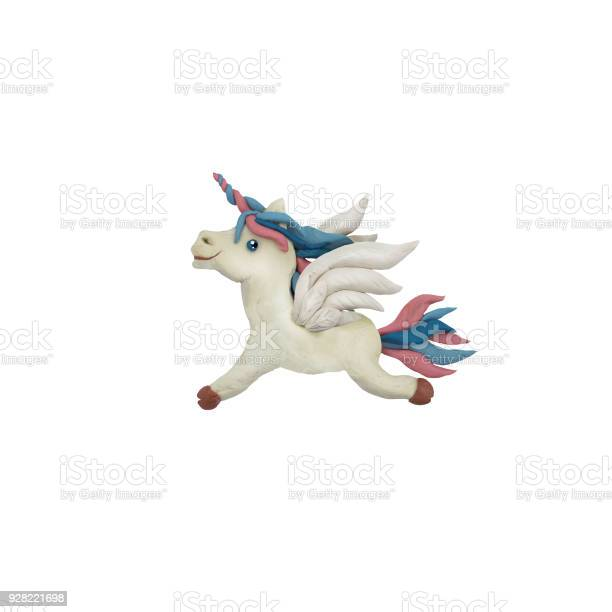 Plasticine flying horse pegasus sculpture 3d rendering isolated on picture id928221698?b=1&k=6&m=928221698&s=612x612&h=xqi 4vljibfweuvcxs03aos01gp3ehozfbc5v4duyhm=