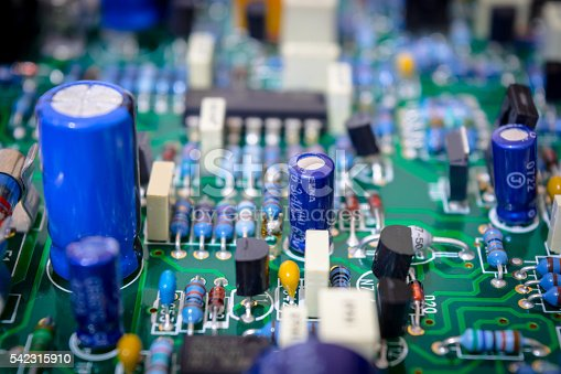 istock Plate of electronic components 542315910