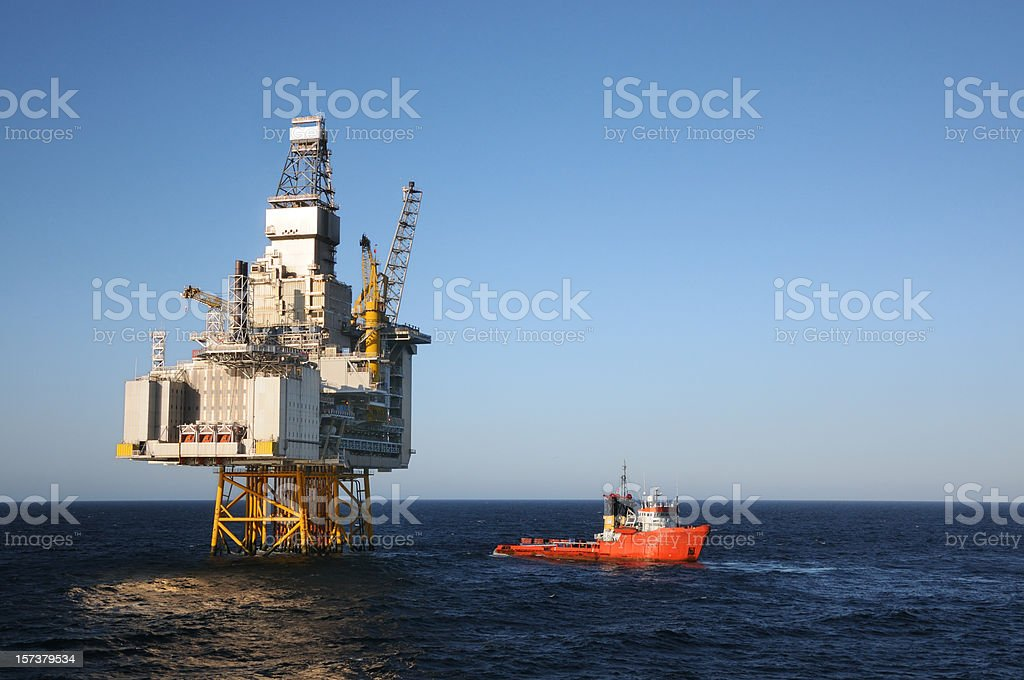 platform and boat royalty-free stock photo