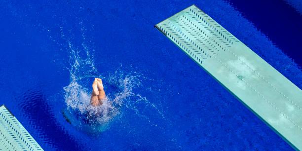 plataforma de mergulho - mergulho - fotografias e filmes do acervo