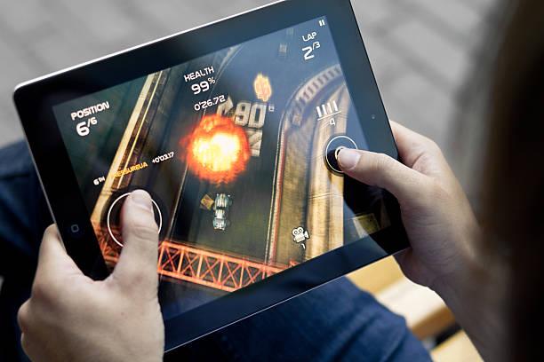 gry rajd śmierci na apple ipadzie 2 - ipad zdjęcia i obrazy z banku zdjęć
