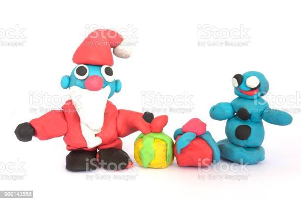 Spela Doh Skulptur Av Santa Claus På Vit Bakgrund-foton och fler bilder på Barndom