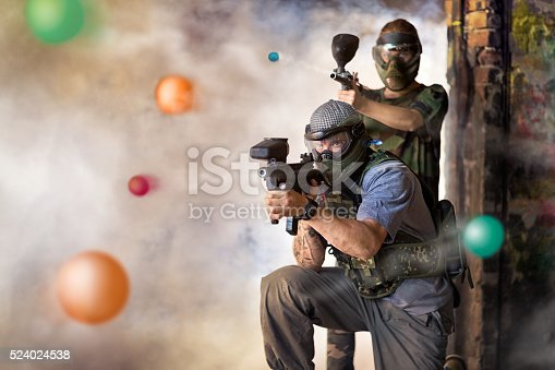 Play paintball game, two player with guns