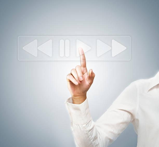 spielen/touchscreen (klicken sie hier, um weitere informationen) - maus video stock-fotos und bilder