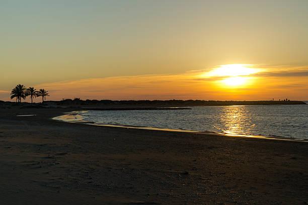 Playa El Racó de Cullera Playa galardonada con el distintivo Bandera Azul, que reconoce las playas que cumplen ciertos requisitos. st. anthony of padua stock pictures, royalty-free photos & images