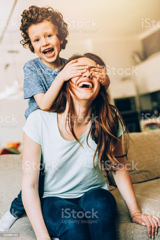 Spielerische Familie – Foto
