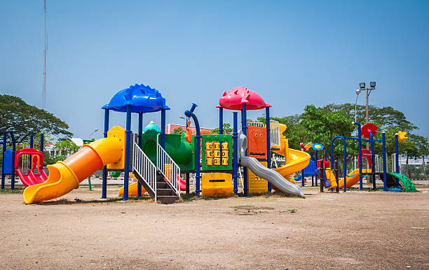 playground - mini amusementpark stockfoto's en -beelden