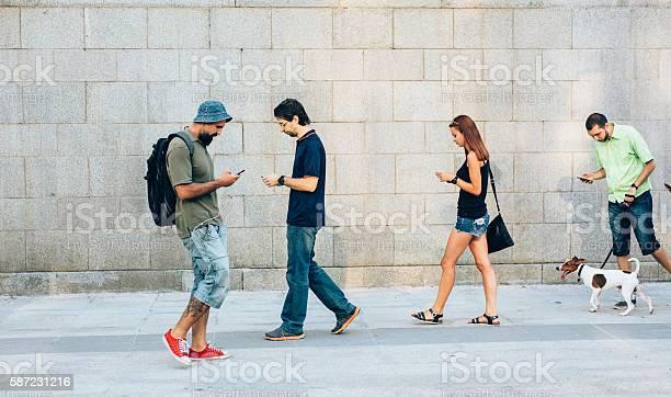 Playing a game on the phone picture id587231216?b=1&k=6&m=587231216&s=612x612&h=83c0qdh7ermzyhfgyae1wmj6vwzikzltwzkhjnzwijk=