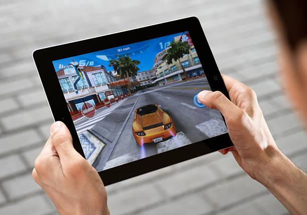 Spielen Spiel auf Apple iPad 2 – Foto