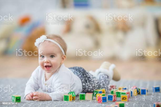 Spela I Ett Dagis-foton och fler bilder på 12-23 månader