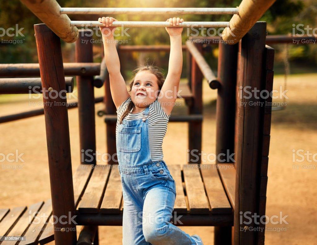 Spielen ist ein Kind Lieblings-Weg des Lernens Lizenzfreies stock-foto