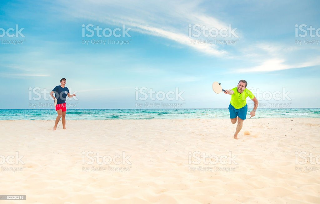 Giocare a paddle ball - foto stock