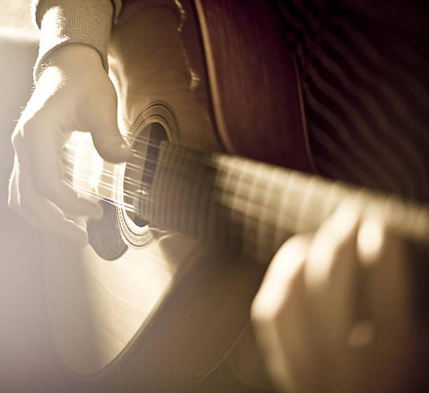 Playing the Mandolin - foto de acervo
