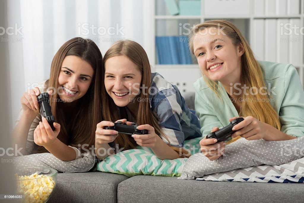 Playing video games with BFF! stok fotoğrafı