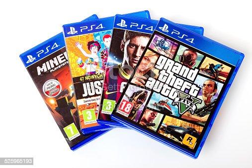 Istock Playstation 4 Juegos Gta V Fifa14 Minecraft Xxxl 525965183