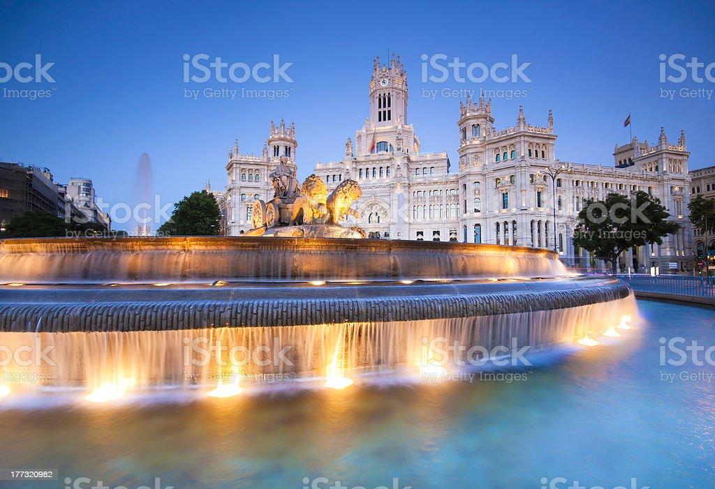 Plaza de Cibeles Madrid, Spanien. - Lizenzfrei Abenddämmerung Stock-Foto