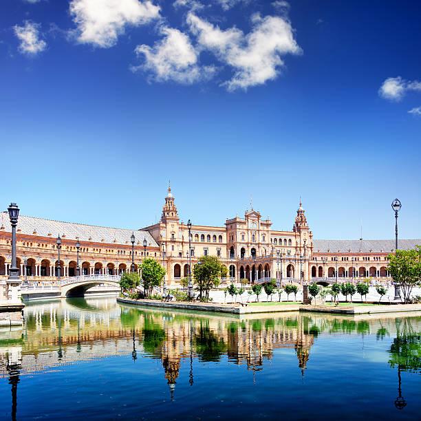 plaza de espania à séville - andalousie photos et images de collection