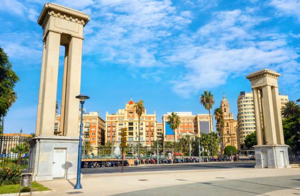 Plaza De La Marina en el centro histórico de Málaga. Andalucía, Costa del Sol, España - foto de stock
