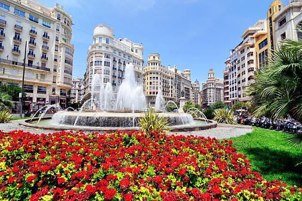 plaza del ayuntamiento, valencia - valencia stockfoto's en -beelden