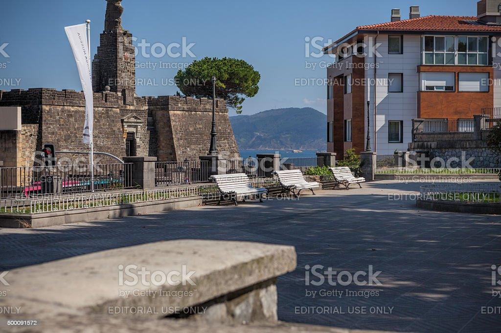 Plaza рядом с Хуан Себастьян Elcano собственного памятник стоковое фото