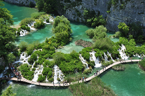 plitvice lakes national park of croatia - plitvice lakes stockfoto's en -beelden