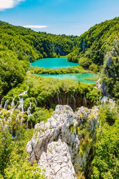 plitvicer wasserfälle, plitvicka jezera, nationalpark, kroatien - nationalpark plitvicer seen stock-fotos und bilder