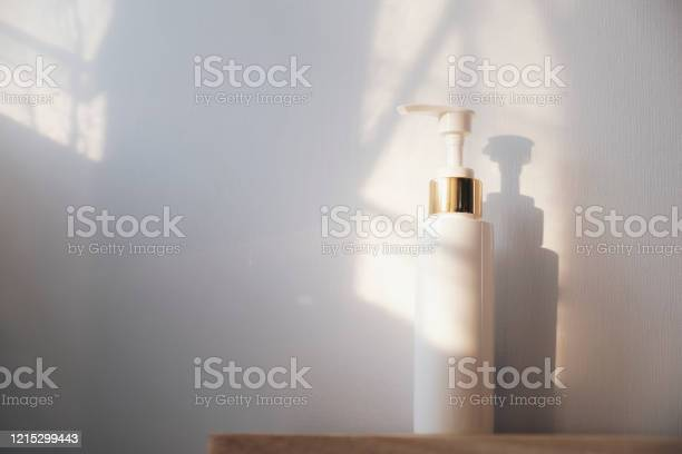 Plum bottle of hand sanitizer on white and light from window picture id1215299443?b=1&k=6&m=1215299443&s=612x612&h=xsjn7oyqmojc1puuemxe8c5exm4wdnkirdck6ofurhi=